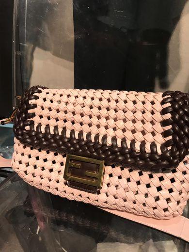 Fendi a présenté sa nouvelle collection à Milan.