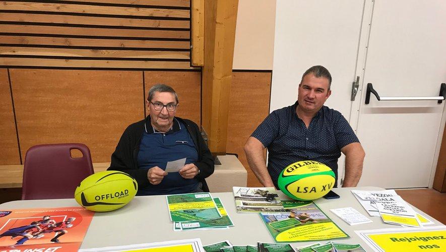 Des bénévoles dévoués pour faire connaître le rugby.