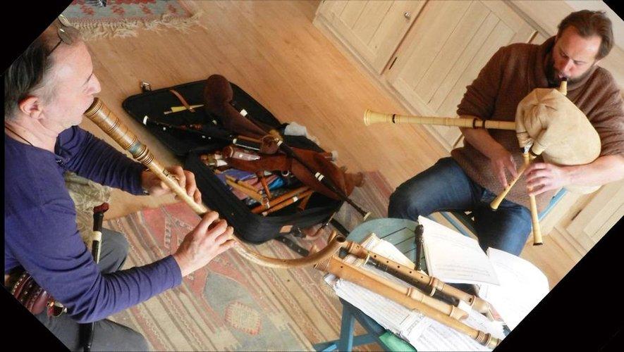 Des instruments du Moyen âge.