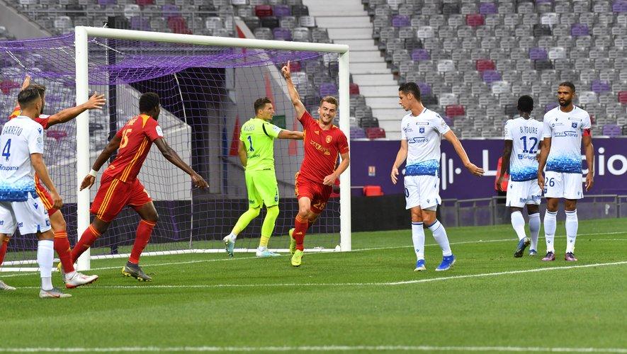 S'il a déjà marqué deux buts, comme ici face à Auxerre, Valentin Henry n'oublie pas qu'il doit encore être plus exigeant, défensivement notamment.