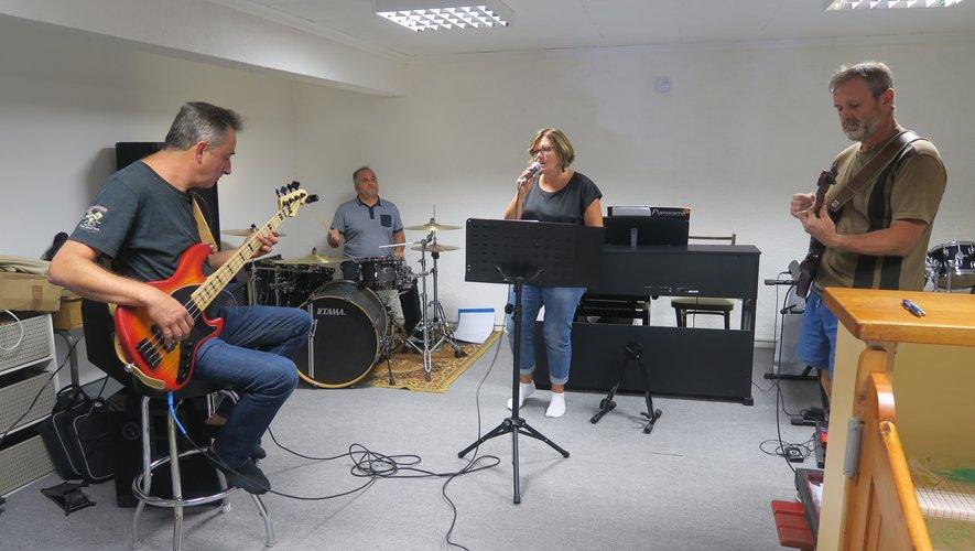 Des cours de musique sont proposés
