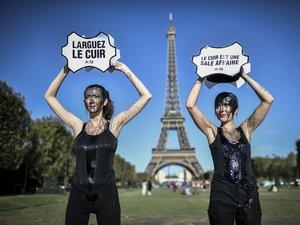 La plus internationale des Fashions weeks, la semaine du prêt-à-porter femme s'ouvre lundi à Paris sur fond de manifestations des défenseurs des animaux au moment où le luxe s'efforce de réduire son impact environnemental.