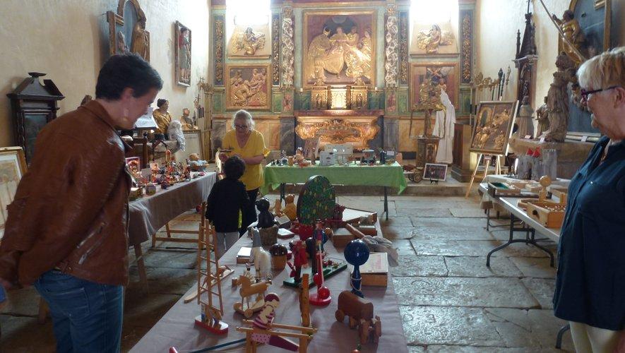 Une exposition de jouets anciens dans la chapelle des pénitents.