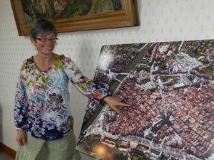 Nadine Luc, assistante au service de l'urbanisme, connaît parfaitement la bastide.