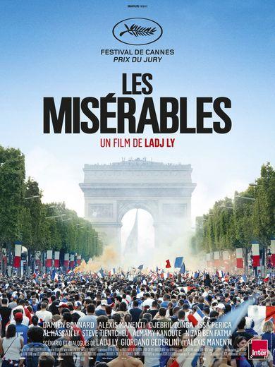 """""""Les Misérables"""" raconte l'histoire d'une bavure policière dans une cité sensible de Seine-Saint-Denis, près de Paris, à travers le destin de """"Pento"""" (Damien Bonnard)."""
