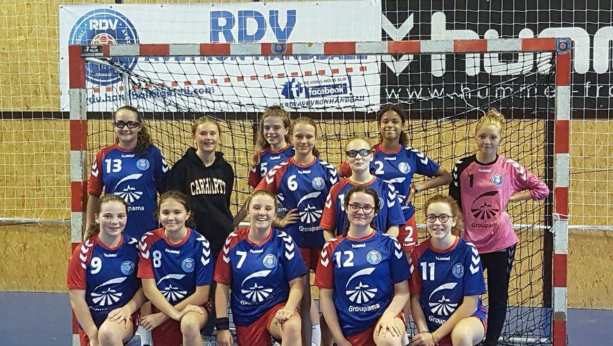 Les 15 ans filles victorieuses contre Le Vigan.