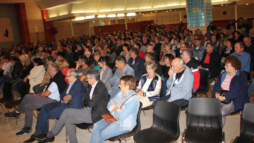 Un public très attentif a écouté et applaudi les salariés.