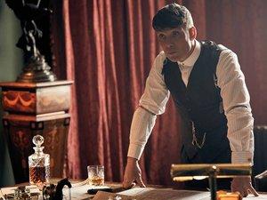 """Cillian Murphy tient le rôle de Thomas Shelby dans """"Peaky Blinders""""."""