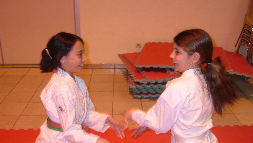 deux élèves de Jean-Pierre Kolimaga.