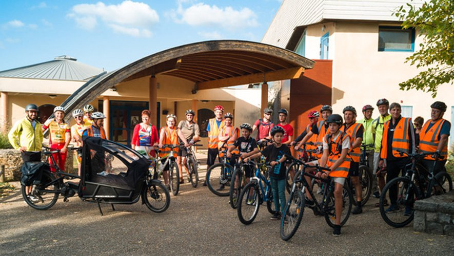 Cette initiative de découverte du village a permis à de nombreux enfants comment se rendre à vélo à l'école en sécurité.