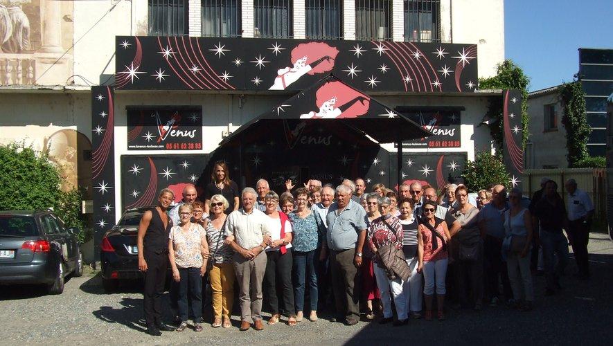 Le groupe ravi à la sortie du spectacle.