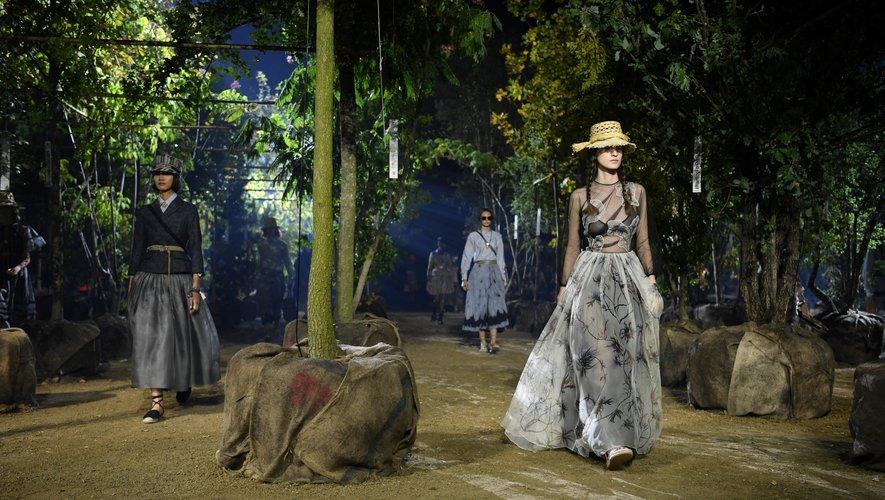 Le jardin de Dior se compose d'une multitude d'arbres qui ont été replantés après le défilé. Paris, le 24 septembre 2019.