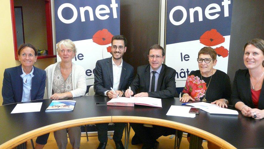 Lors de la signature de la convention entre Romain Smaha et Jean Philippe Keroslian.