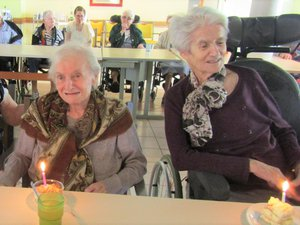 Bon anniversaire à Paulette Viguier, Andrée Debreuil, Maria Joulié.