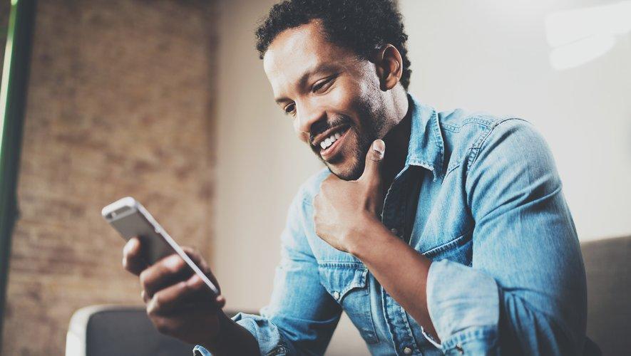 La facture mensuelle moyenne sur mobile atteint les 14,30 euros, en hausse de 20 centimes par rapport aux trois premiers mois de l'année