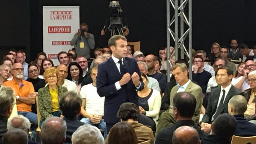 Emmanuel Macron répond aux questions des Aveyronnais.