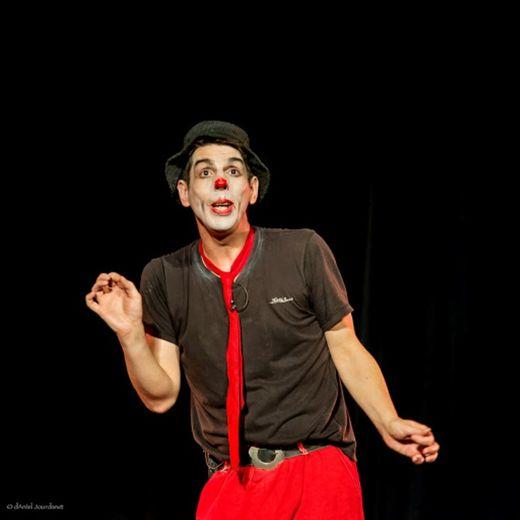 Le clown Pataruc racontera comment il est « tombé sur un livre ».