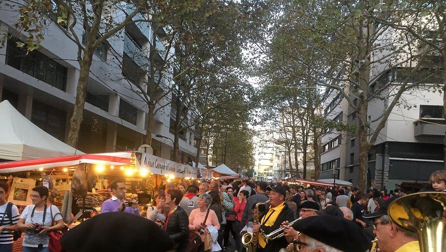 Depuis près de vingt ans, le marché vit durant trois jours au rythme de l'Aveyron et de ses saveurs.