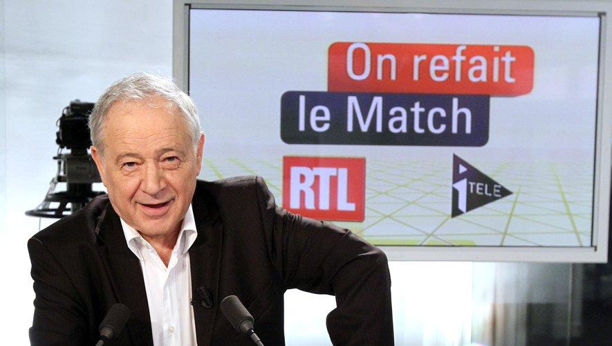 """Après plus de 40 ans, le journaliste avait quitté Europe 1 """"sans verser une larme"""" et il avait """"préféré passer dans l'équipe d'en face"""", RTL, où il avait notamment animé """"On refait le match""""."""
