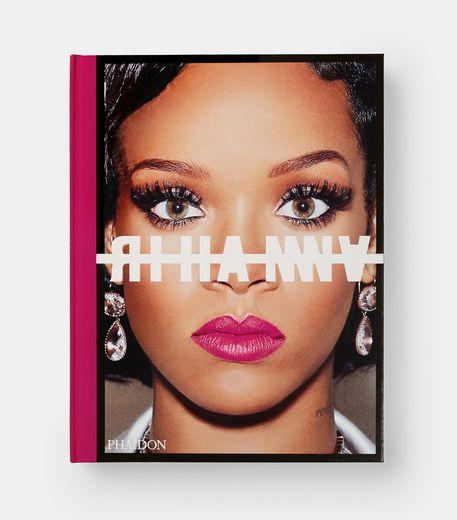 La première autobiographie visuelle de Rihanna paraîtra chez Phaidon est disponible le 24 octobre.