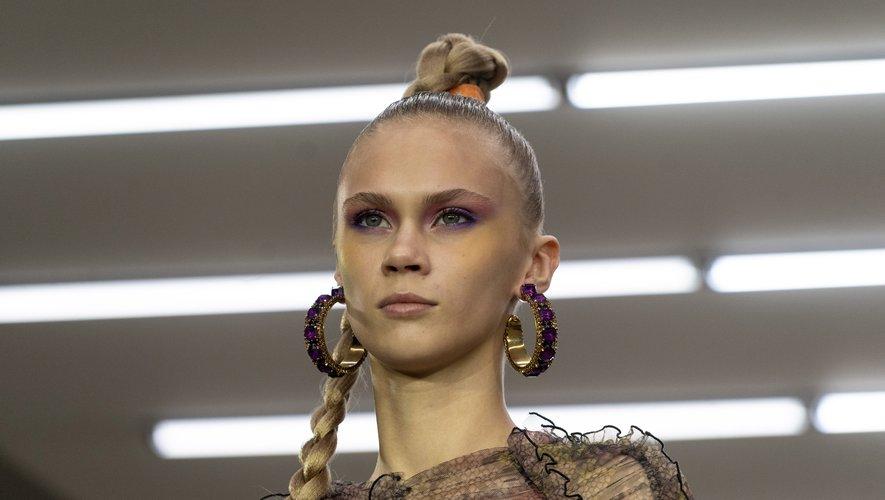 Un mannequin du défilé printemps-été 2020 de Mark Fast à la fashion week de Londres, le 13 septembre 2019.