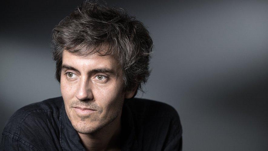 Le jury du Renaudot fera connaître ses finalistes à l'issue d'une dernière réunion, le 29 octobre. Parmi les romanciers figurant dans la deuxième sélection du Renaudot, on trouve notamment Sylvain Prudhomme.