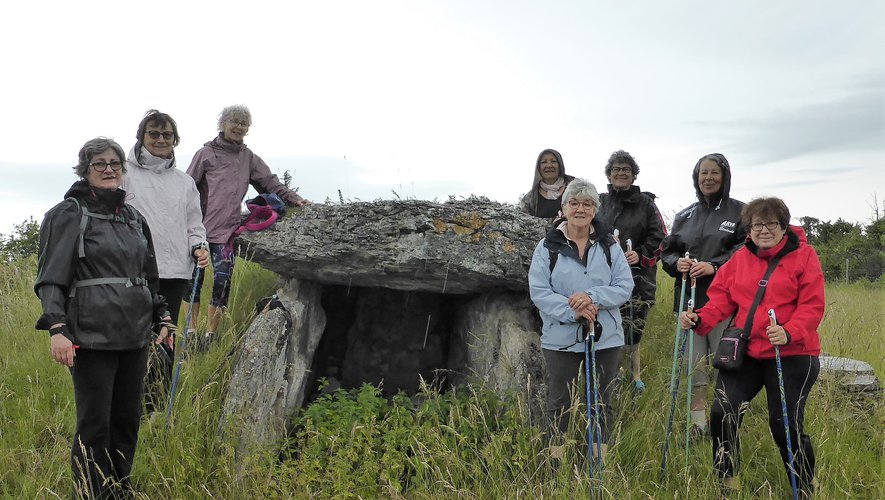 Le dolmen est la destination de cette marche aller et retour accessible  à tous.