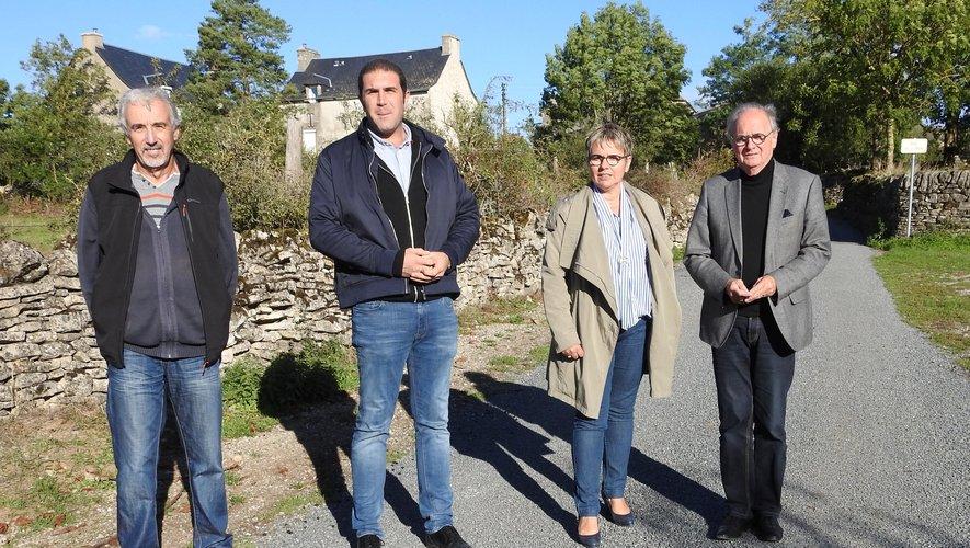 Yves Costecalde, Nicolas Bessière, Magali Bessaou et Jean-Michel Lalle sont venus apprécier les travaux réalisés à Ortholès.