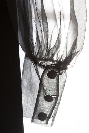 Yves Saint Laurent (1936-2008) - Robe de cocktail (détail). Collection haute couture automne-hiver 1969. Photographie de Sophie Carre.
