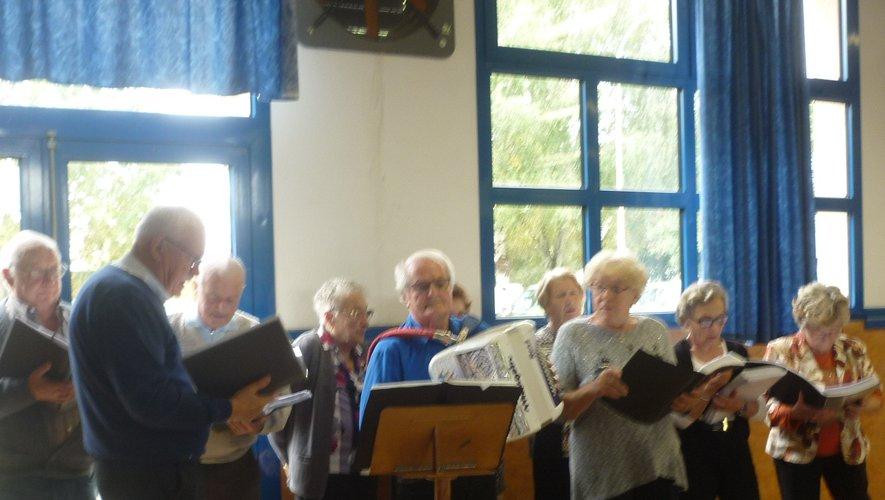 La prestation de la Chorale des Ondes