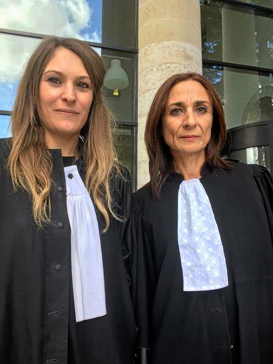 Me Jessica Chefaroudi et  Me Charlotte Lévi, avocates de la défense, plaideront ce matin.