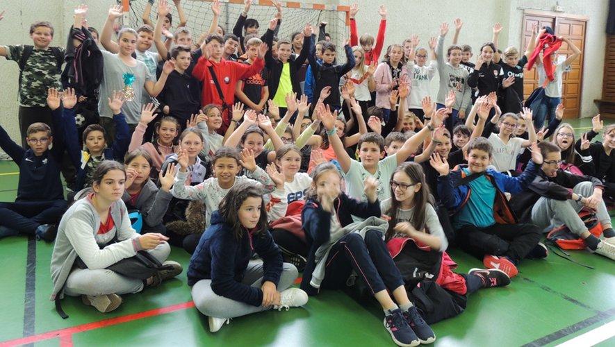Sports collectifs  pour les collégiens de Lucie-Aubrac lors de la Journée nationale du sport scolaire.