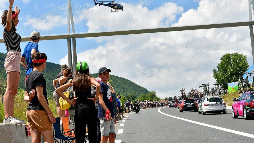 Comme il y a deux ans, les coureurs passeront sous le viaduc de Millau.