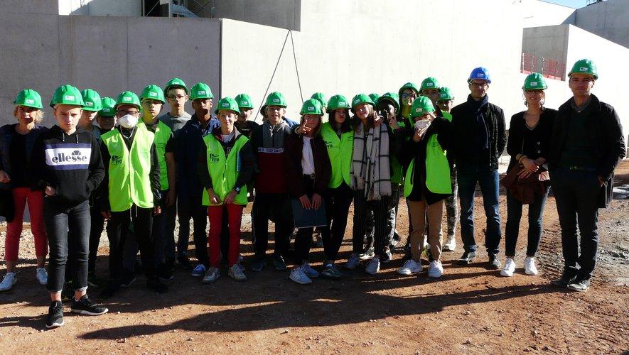 Un des quatre groupes de collégiens en visite avec l'entreprise Thermatic.