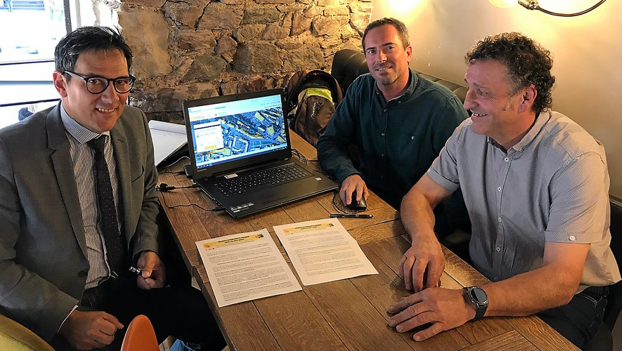 De gauche à droite : Bruno Alary (Adil), Mickaël Soulié et Jean-Marie Lacombe (PETR).