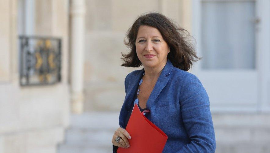 """La ministre de la Santé Agnès Buzyn présente mardi la """"complémentaire santé solidaire"""", qui remplacera à partir du premier novembre deux aides publiques sous-utilisées (CMU-C et ACS)."""