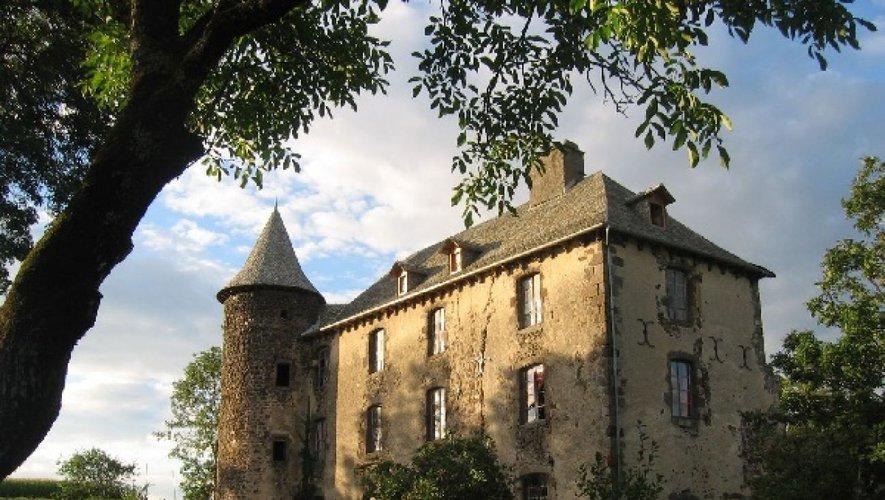 Le château de Taussac servira de cadre enchanteur pour découvrir des oiseaux ce samedi.