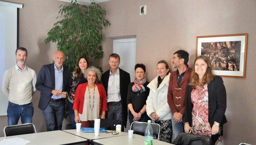 Cette une matinée d'échanges d'expériences entre habitants de la communede Salles-la-Source et le député sur le télétravail a satisfait l'ensembledes participants.