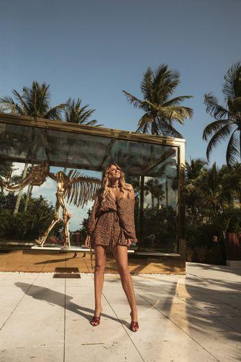 La nouvelle collection Billabong x Elle Ferguson est disponible dans une sélection de magasins et en ligne.