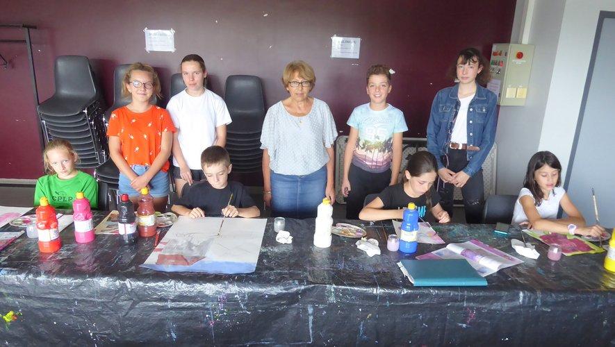 Des cours d'arts plastiques  animés par Mireille Perrin