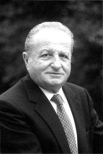 Pierre Riom dans les années 80, alors maire de Conques.