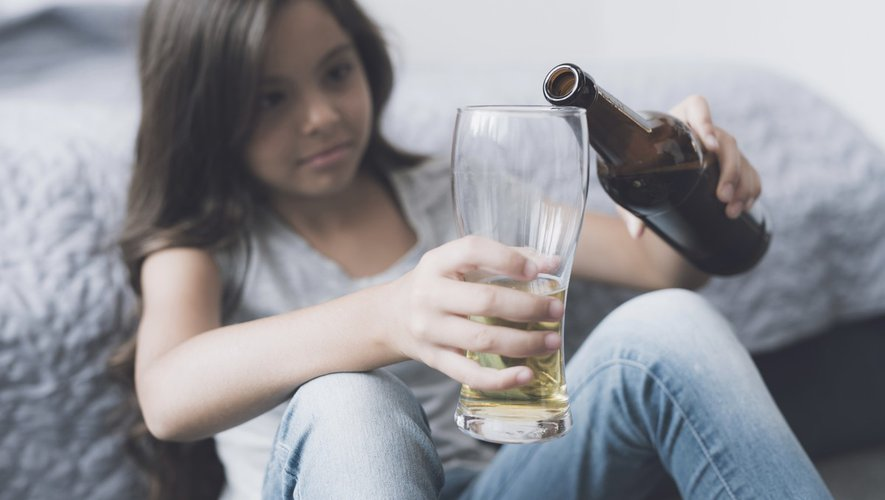 Comment réagir si votre enfant a bu accidentellement de l'alcool ?