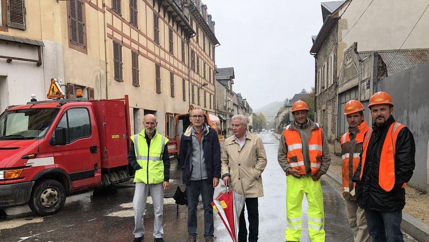 Les élus ont visité le chantier du mini-giratoire pour entrer à Espalion en provenance du contournement.