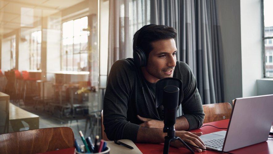 Les podcasts natifs, ou originaux, auxquels est dédié ce festival qui se tient de vendredi à dimanche à la Gaîté Lyrique à Paris, sont conçus dès le départ pour une diffusion en ligne, par opposition aux rediffusions d'émissions de radio.