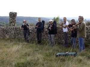 Douze violoneux étaient présentsau départ de la rando musicale.