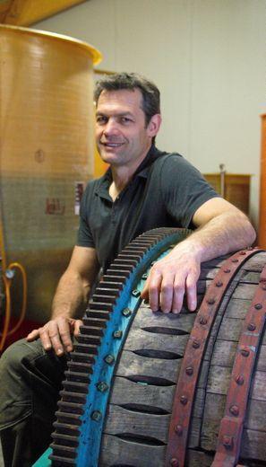 Depuis 2013, l'ancien rugbyman ruthénois Sébastien Galtier cultive, avec passion et conviction, son vin du Mas des Colibris à Gignac (Hérault).
