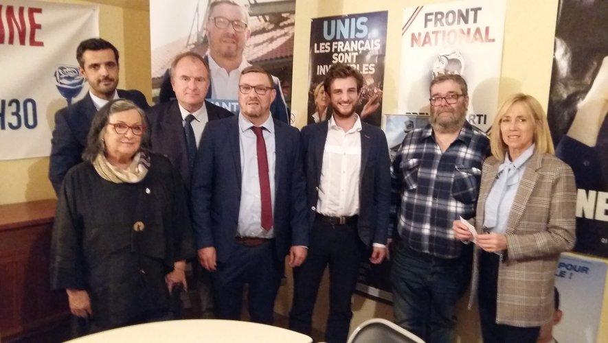 Le candidat RN Bruno Leleu (au centre) a officiellement lancé sa campagne des municipales de 2020 à Decazeville.