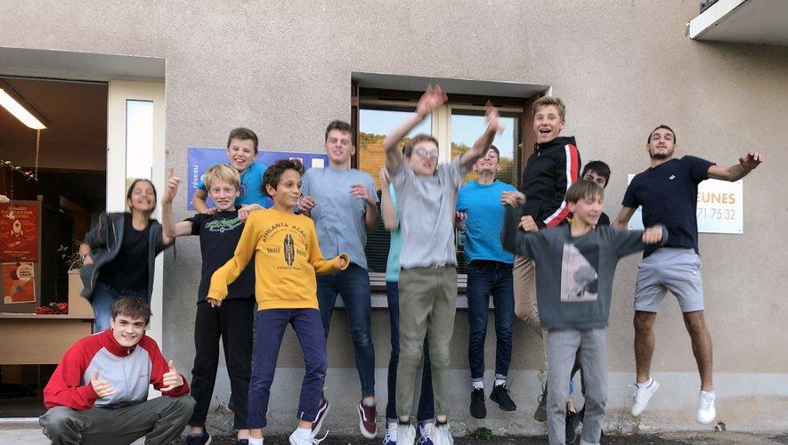 L'association Le Créneau accueilleles jeunes à la cyberbase le vendredi.