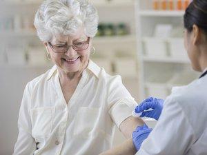 Chaque année, la grippe touche 2 à 6 millions de personnes, entraîne des dizaines de milliers de passages aux urgences et fait 10.000 morts en moyenne.
