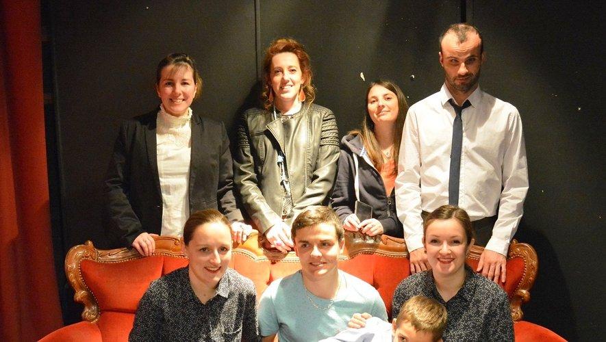 Les sept comédiens qui vont monter sur scène ce samedi  26 octobre à Luc.